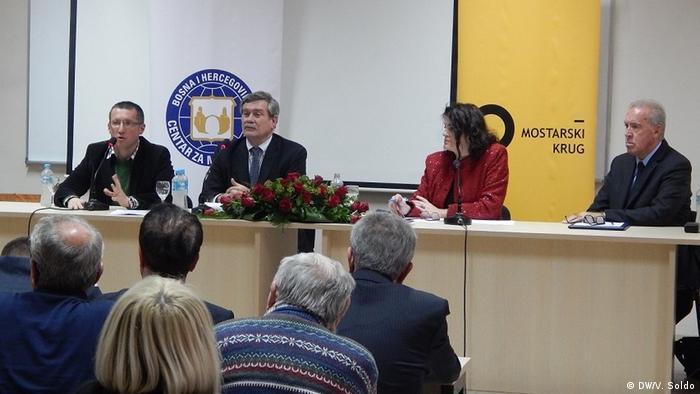 Scott nije želio komentirati što bi presuda značila za odnose unutar BiH, te BiH i Hrvatske.