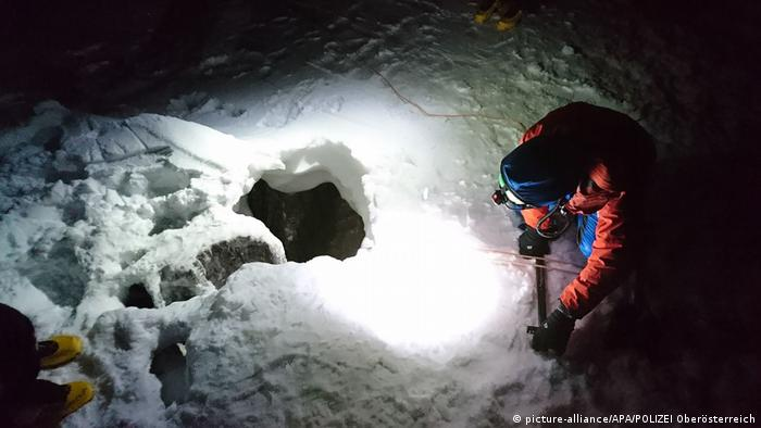 The man was found at the bottom of a 30-meter hole on the Dachstein