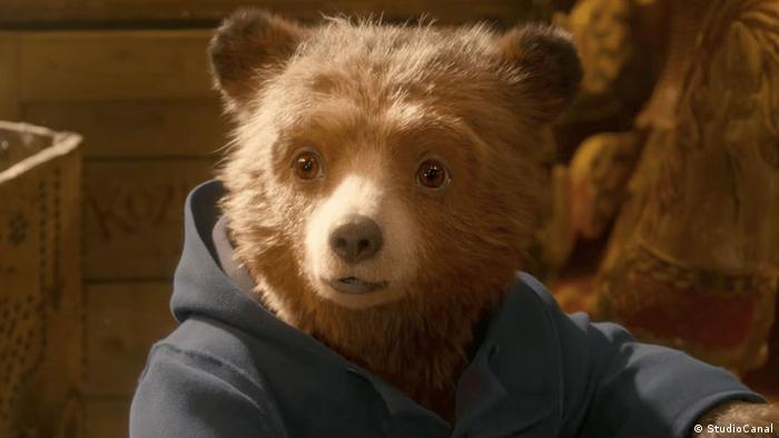 Кадр из фильма Паддингтон-2