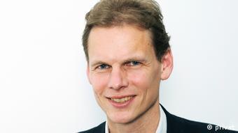 Dr. Lutz Oette