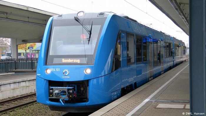 Brennstoffzellen-Zug Alstom iLint frontal