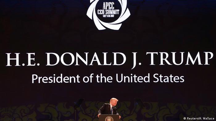 USA Donald Trump Rede beim APEC Gipfel in Danang (Reuters/A. Wallace)