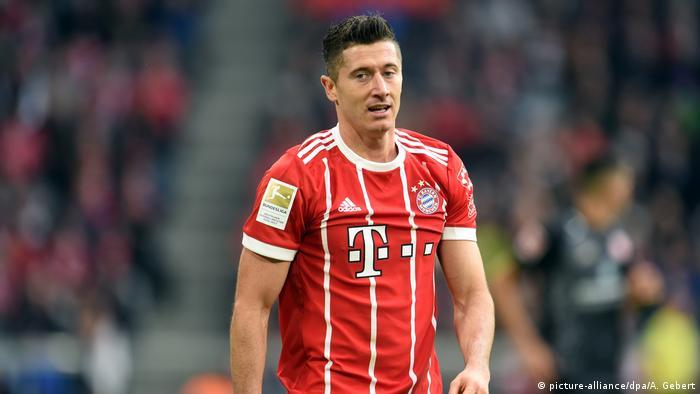Robert Lewandowski chce odejść  Problem dla Bayernu   Życie