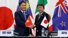 APEC Gipfel in Vietnam Toshimitsu Motegi und Tran Tuan Anh
