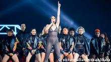 English singer and songwriter Jessie J performs during a gala for the Tmall 11.11 Global Shopping Festival 2017 at Mercedes-Benz Arena in Shanghai, China, 10 November 2017. Foto: Alibaba/Imaginechina/dpa  