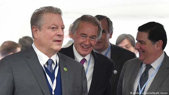 Former US Vice President Al Gore arrives with US Senators and Mayors at COP23