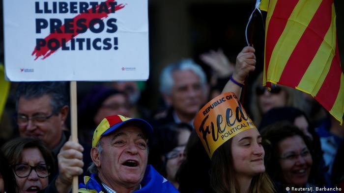 Spanien Protesten in Barcelona für die Freilassung der katalanischen Politiker (Reuters/J. Barbancho)
