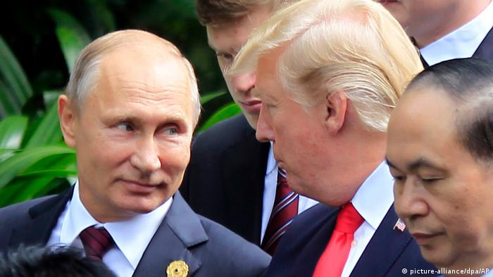 Trump und Putin at the APEC summit in Vietnam