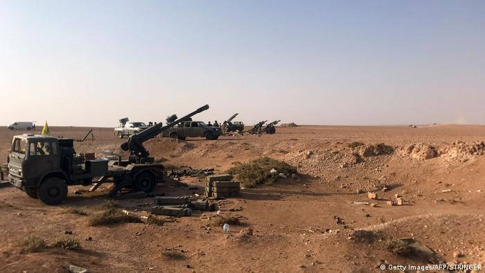 Сирийская артиллерия наносит удары по Абу-Кемалю