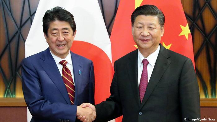 Vietnam   APEC   Japans Premier Abe trifft Chinas Präsident Xi Jinping