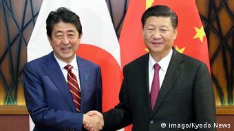 Vietnam | APEC | Japans Premier Abe trifft Chinas Präsident Xi Jinping