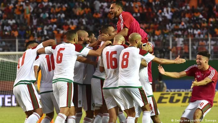 Morocco's team players celebrate a goal at the Felix Houphouet-Boigny stadium in Abidjan on November 11, 2017, (Getty Images/AFP/I. Sanogo)
