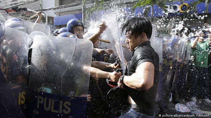 Asean-Gipfel in Manila - Anti-Trump-Proteste (picture-alliance/dpa/A. Favila/AP)