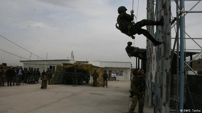 Afghanistan | Italienische NATO-Truppen trainieren Afghan Special Forces (DW/S. Tanha)