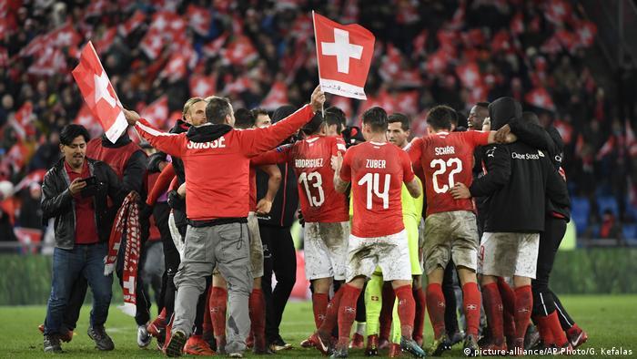 Fußball WM Playoffs | Schweiz vs Nordirland (picture-alliance/AP Photo/G. Kefalas)