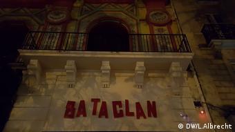 Schriftzug am Konzertsaal Bataclan