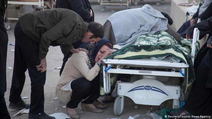 Iran Erdbeben (Reuters/Tasnim News Agency)