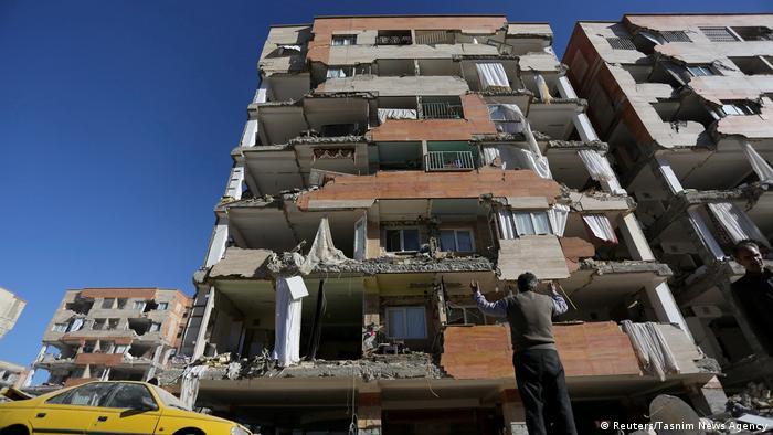 destroyed building in Kermanshah Iran (Reuters/Tasnim News Agency)