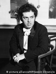 Daniel Barenboim, pianist, Odeon Cinema, Temple Fortune, London, 1971. Artist: Unknown (picture-alliance/HIP/Jewish Chronicle)