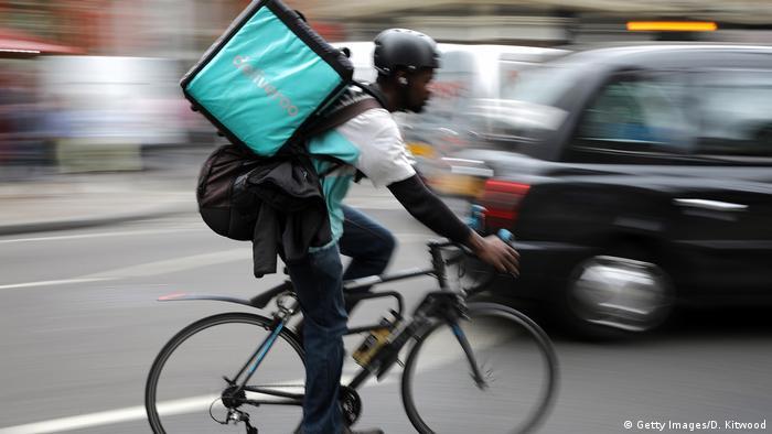 Großbritannien London Deliveroo Fahrer