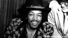 ***BG 75. Geburtstag Jimi Hendrix*** Jan. 1, 2011 - JIMI HENDRIX 1968. PUBLICATIONxINxGERxSUIxAUTxONLY - ZUMAg49_ Jan 1 2011 Jimi Hendrix 1968 PUBLICATIONxINxGERxSUIxAUTxONLY ZUMAg49_