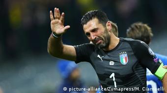 Fußball WM Qualifikation 2018 Italien - Schweden Gianluigi Buffon (picture-alliance/Zumapress/M. Ciambelli)