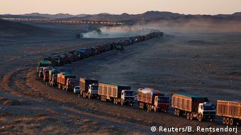 Поставка угля автотранспортом из Монголии в Китай