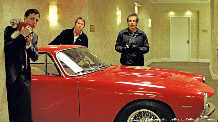 Кадр з фільму Як обікрасти хмарочос з Ferrari 250 GT Lusso