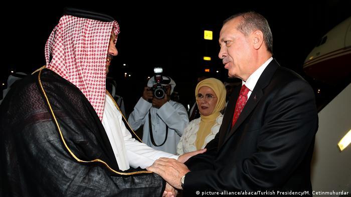 Katar Erdogan aus Türkei zu Besuch (picture-alliance/abaca/Turkish Presidency/M. Cetinmuhurdar)