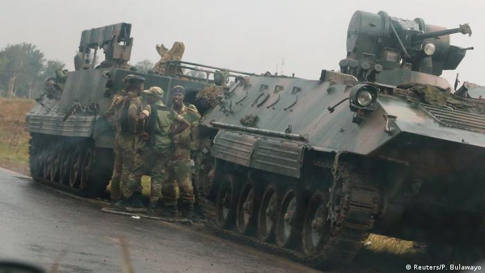 Zimbabwe soldiers at the outskirts of Harare