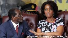 Simbabwe Machtkampf Robert Mugabe mit Ehefrau Grace