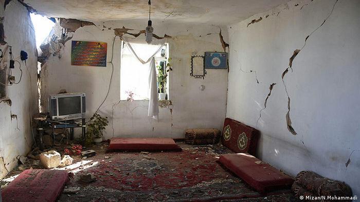 Iran Zerstörung im Erdbebengebiet (Mizan/N.Mohammadi)