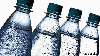 Trinkwasser in Plastikflaschen