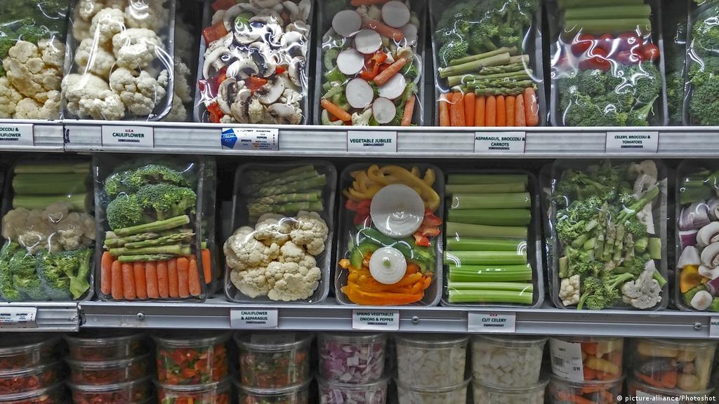 Germans slow to bin plastics habit | Environment| All topics