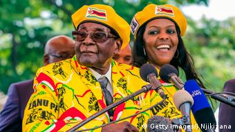 Robert Mugabe und Grace Mugabe (Getty Images/J.Njikizana)