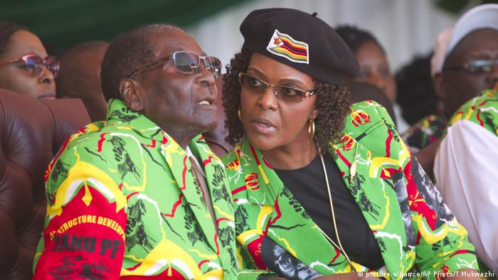 Zimbabwe Mugabe Rally (picture-alliance/AP Photo/T.Mukwazhi)