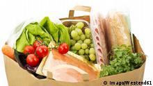 Einkaufsbeutel aus Papier mit Lebensmittel