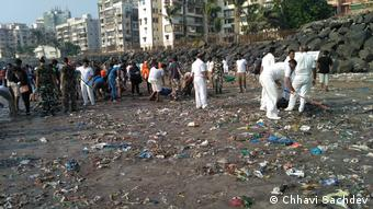 Indien Beach clean-up, Mumbai (Chhavi Sachdev)