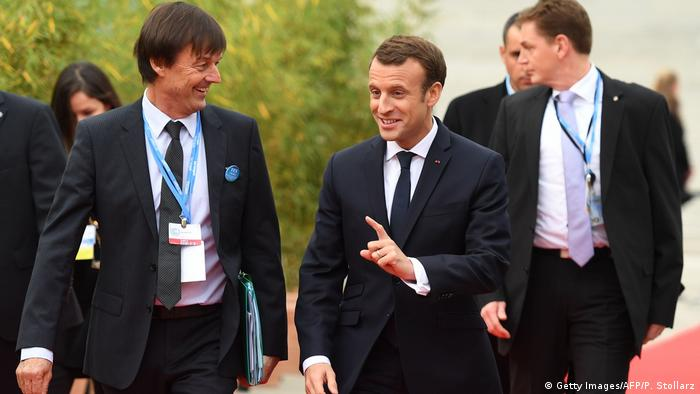 Nicolas Hulot and Emmanuel Macron (Getty Images/AFP/P. Stollarz)
