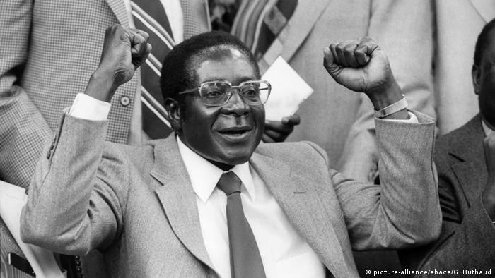 BG Mugabe wurde Premierminister 18.04.1980 (picture-alliance/abaca/G. Buthaud)