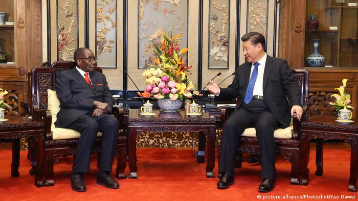 BG Mugabe bei Xi Jinping in Beijing, 2017 (picture-alliance/Photoshot/Yao Dawei)