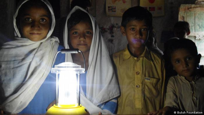 "Pakistan Lighting a Million Lives"" Projekt (Buksh Foundation)"