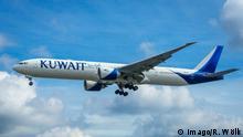 Großbritannien London - Flugzeug von Kuwait Airlines