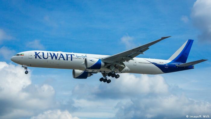 Großbritannien London - Flugzeug von Kuwait Airlines (Imago/R. Wölk)