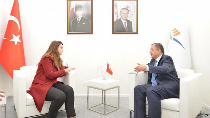 Çevre ve Şehircilik Bakanı Mehmet Özhaseki, DW Türkçe'den Özge Artunç'a konuştu.