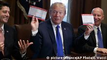 USA Washington - Donald Trump, Paul Ryan, Kevin Brady zur Steuerreform