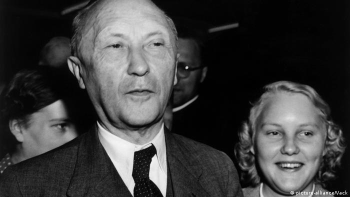 Adenauer becomes chancellor (picture-alliance/Vack)