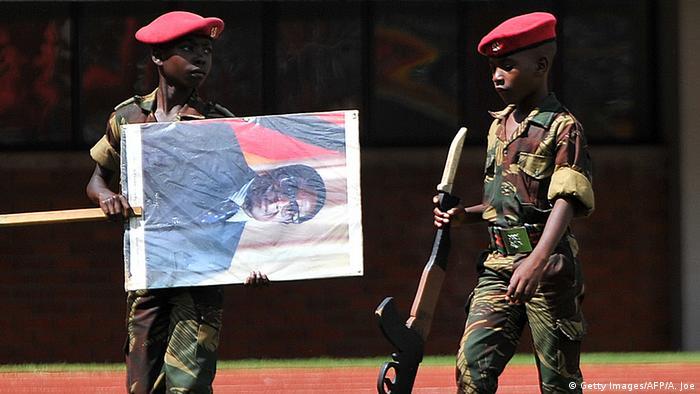 Simbabwe - Kinderkadetten im Harare-Nationalstadion (Getty Images/AFP/A. Joe)