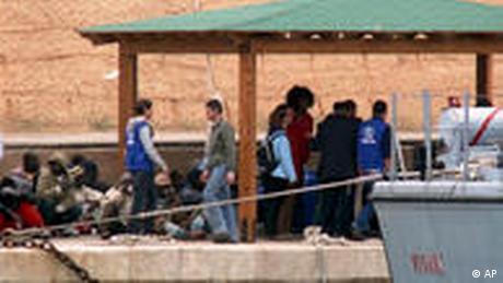 Flüchtlinge aus Libyen (AP)