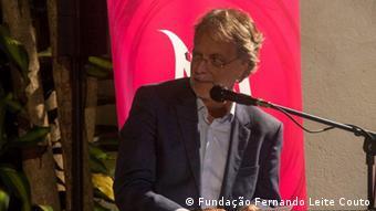 Mosambik - Buchpräsentation Bebedor de Horizontes von Mia Couto